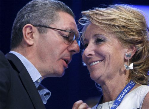 Alberto Ruiz Gallardón junto a Esperanza Aguirre en el congreso del PP madrileño- EFE
